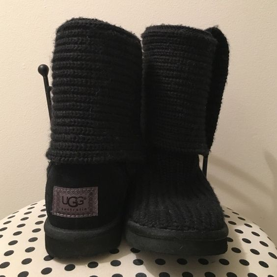 UGG classic cardy Hardly worn black knit uggs! UGG Shoes Winter & Rain Boots