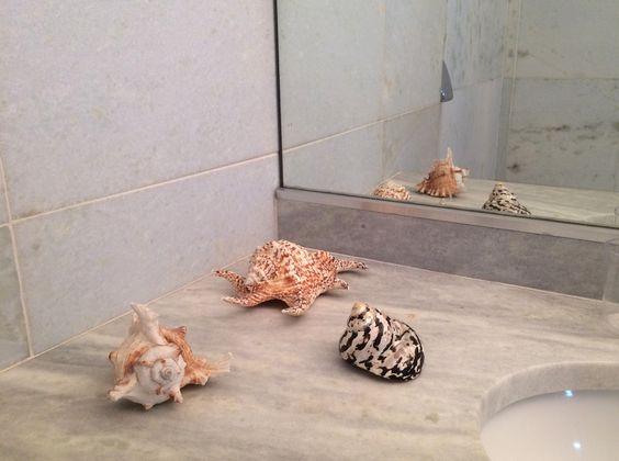 Banheiro, detalhe. #banheiro #conchas #detalhe #casa #praia #riodejaneiro #home #atlantica