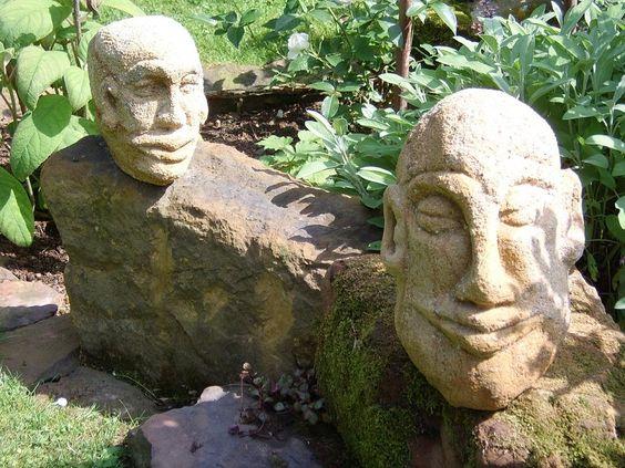 """....handgemachte Garten-Skulpturen von Erwin Schriefer...Auerbach....Köpfe aus Sandstein...""""Eineinhalbohr"""" und """"Noname""""....aus 2011 und 2012.... http:www.e-schriefer.blogspot.de/"""
