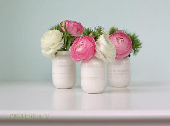 Omaggio Vase in pearl mit Rapunzeln und Bartnelken. Die perfekte Ostertischdeko by happyhomeblog.de
