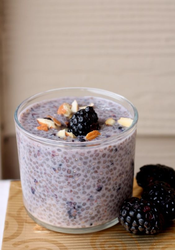blackberry almond chia pudding: