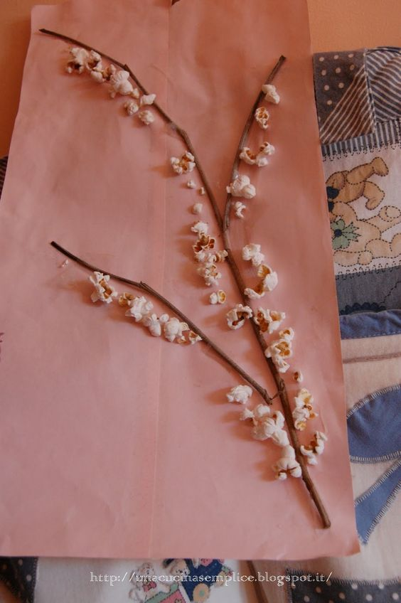 Tante piccole idee realizzate: Ramo in fiore fatto con i pop-corn