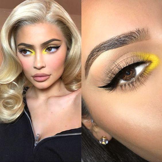 Veja essas ideias lindas de maquiagens coloridas para copiar já! Entre na moda de Euphoria e aposte nas makes divertidas! Via www.achotendencia.com maquiagem colorida, euphoria, maquiagem neon, ideias, fotos, como fazer, tutorial #maquiagem #makeup #euphoria #maquiagemcolorida #beleza