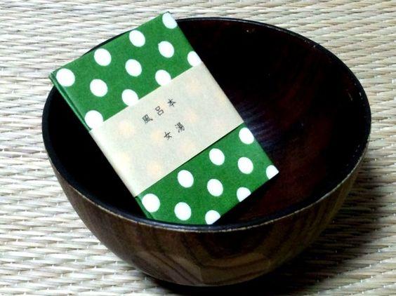 お風呂でも読むことができる、水に強い本をつくりました。男でも「女湯」を読んでOK!【もくじ】宝石/万歩計/ラブレター/星座の恋/グライダー__________... ハンドメイド、手作り、手仕事品の通販・販売・購入ならCreema。