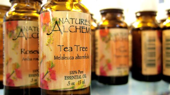 9 Uses for Tea Tree Oil - Definetly using the mixture for the tiles in the bathroom