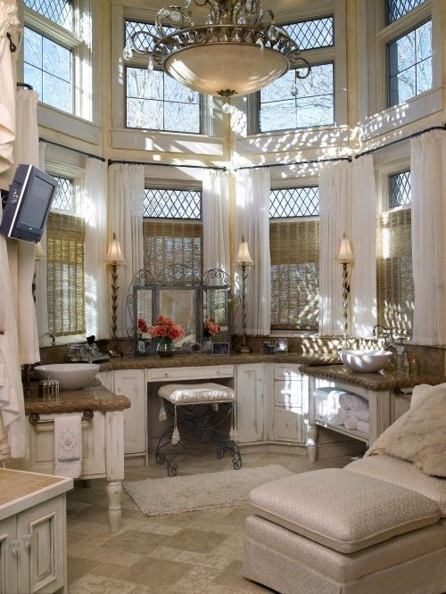 I would be a princess in this bathroom!