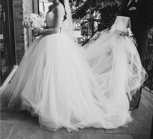 Tulle lace vera wang and tulle on pinterest for Vera wang princess ball gown wedding dress