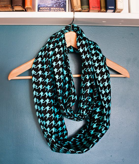 Scarf w hidden pocket perfect for travel or a flask travel scarfs and pockets for Travel scarf