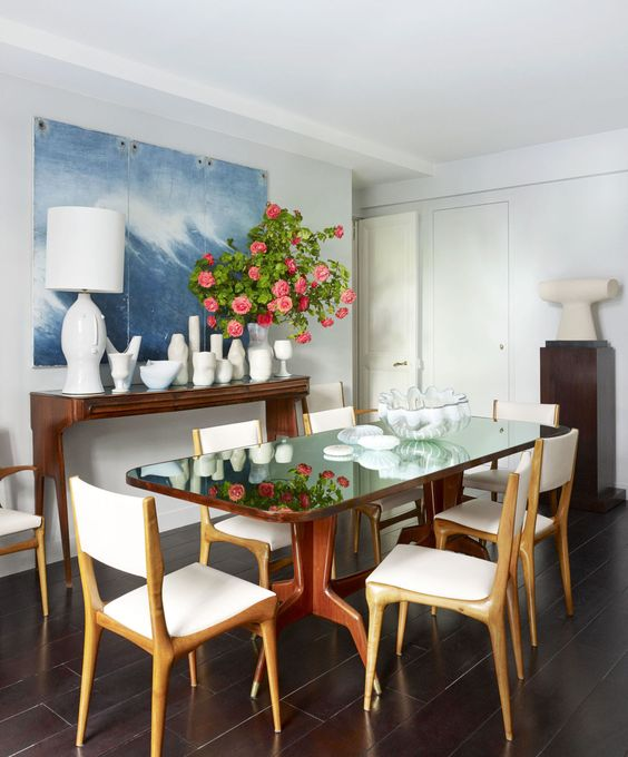 Get a look inside of this fashion designer's gorgeously decorated Paris home::
