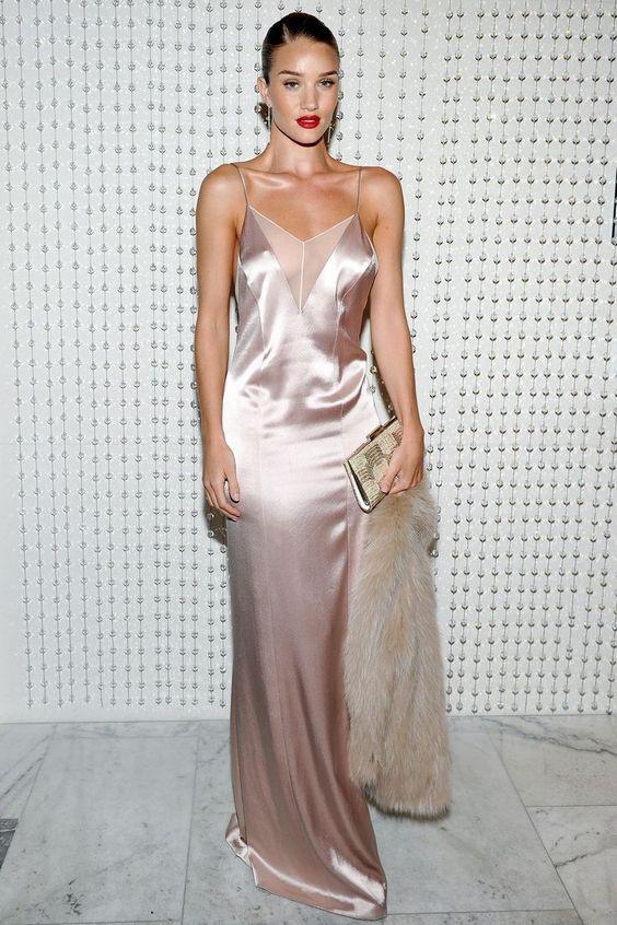 sottoveste seta, abito da sera consigli, cosa indossare per una serata importante, theladycracy.it, elisa bellino, rosie Huntington-Whiteley, elisa bellino, fashion blog italia, fashion blogger italiane famose: