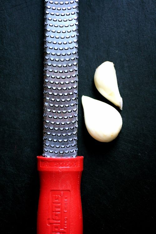 Kitchen Tip: Mincing Garlic