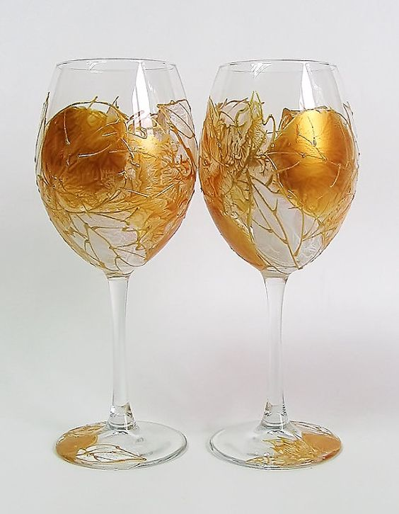 Hey, I found this really awesome Etsy listing at https://www.etsy.com/listing/209624570/set-of-2-hand-painted-wine-glasses