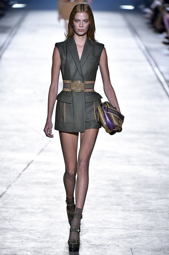 Milan Fashion Week: Versace.