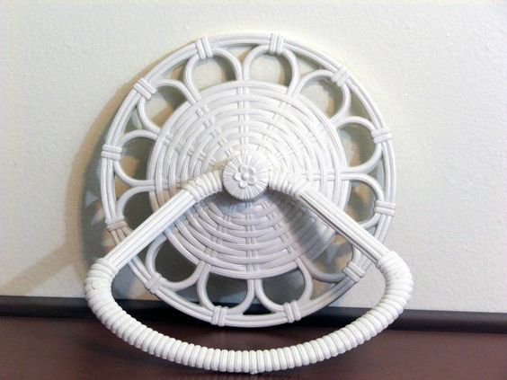 Vintage White plastic Resin Towel Hanger Rattan Wicker Gia Homco