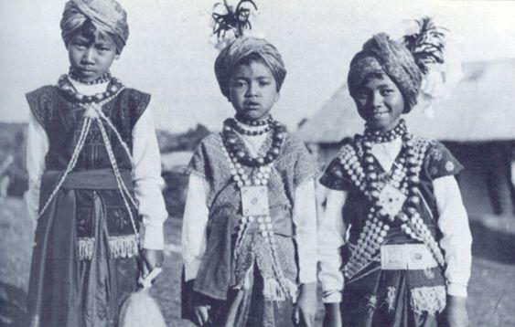 1944 Khasi tribe para dance - Khasi people - Wikipedia, the free encyclopedia