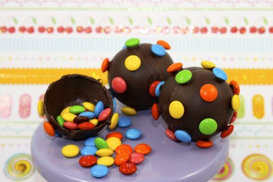 CANDY BOMB Pinatas! How to Make Candy Crush Saga Colour Bombs by Cupcake Addiction (via Cake Journal)