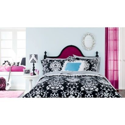 This is similar to how I decorated my room- damask theme with pink, black and white.