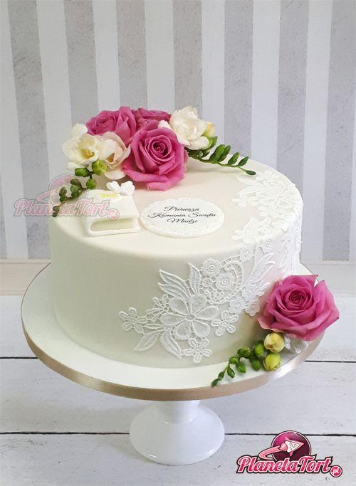Tort Komunijny Z Biala Koronka I Zywymi Kwiatami Rozami I Frezjami Birthday Cake With Flowers Simple Birthday Cake Butterfly Birthday Cakes