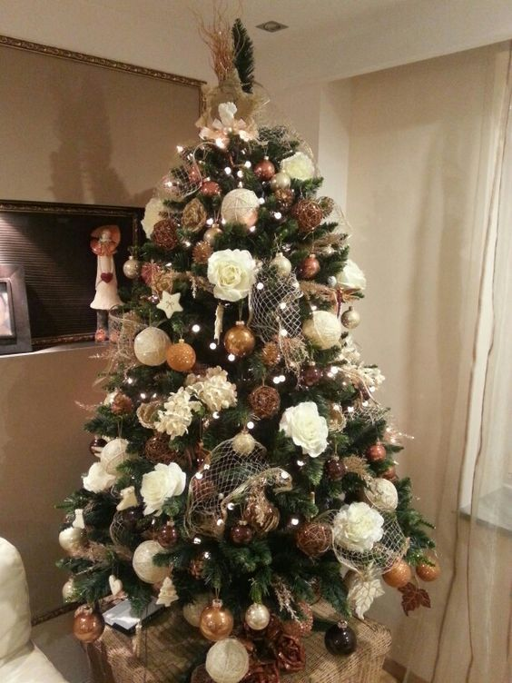 3 Unique Artificial Tree Decorating Ideas Pinteresting Finds Fake Christmas Tree Decorations Christmas Decorations Tree Floral Christmas Tree