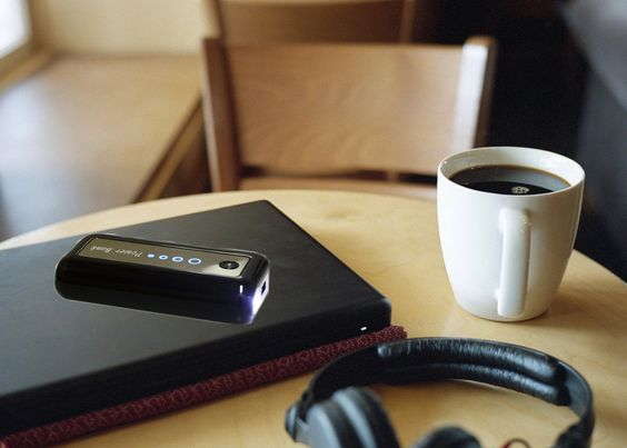 5600 mAh Black Portable power bank