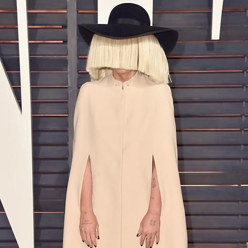 Chandelier Singer Sia To Perform In Israel Songwriter Who Sang Mega Hits And Anium Whose Performances Are Often Intr