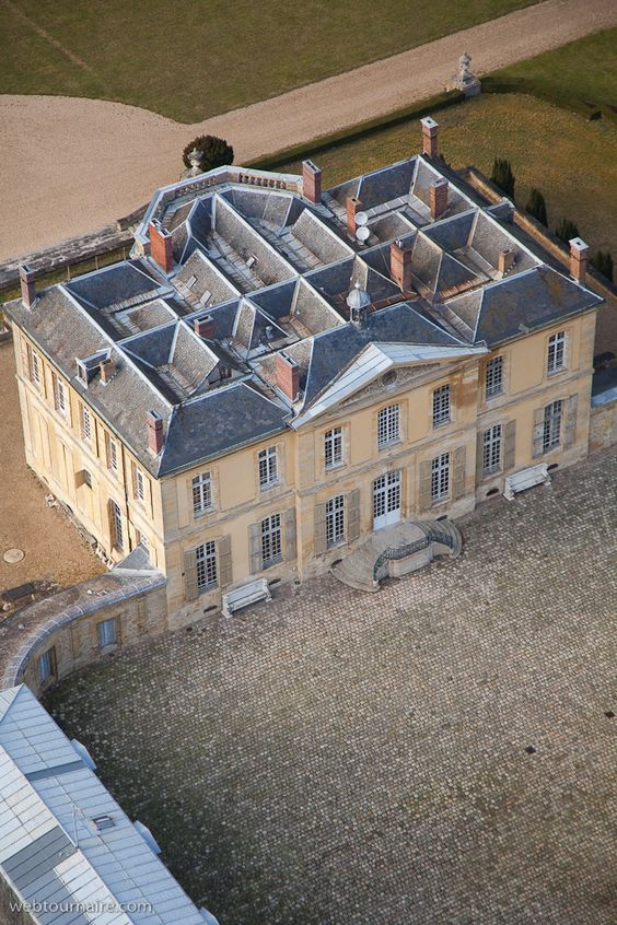 country house roofs...Greater Paris,  Château de Villette, Condécourt, Val d'Oise, how would you put solar panels on this?