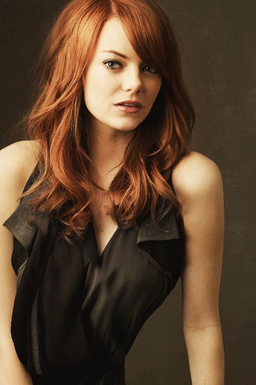 I LOVE Emma Stone's dark red color.. I'm a red head ... Emma Stone