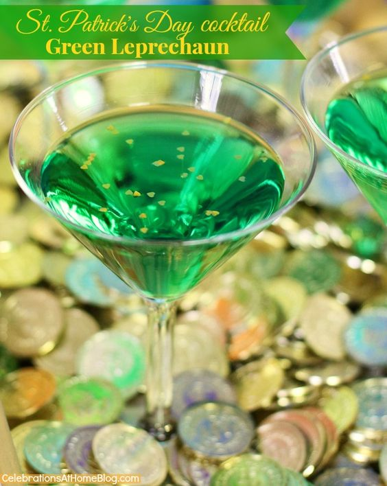 ST. PATRICK'S DAY COCKTAIL :: GREEN LEPRECHAUN #cocktail #stpatricksday #green