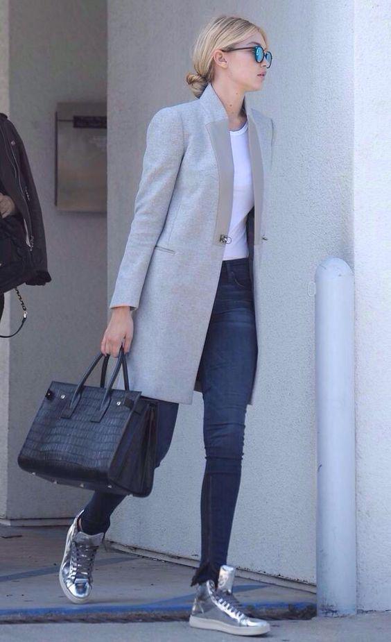 Basket argentée, manteau classique