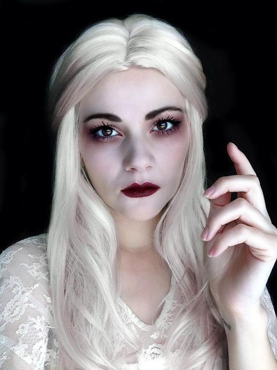 'White Queen' from Alice in Wonderland. Makeup by ESKJ Shoes & Art: