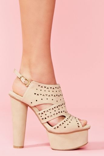 These would be perfect with my graduation dress. too bad they're super tall and i would die walking down the stairs :(