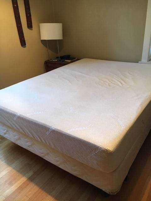 I Am Selling My Very Comfortable 28firm 29 Queen Tempurpedic Bed