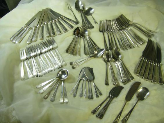 104 piece Lot 1908 Madame Jumel Pattern Sterling Silver Flatware Gorham Whiting