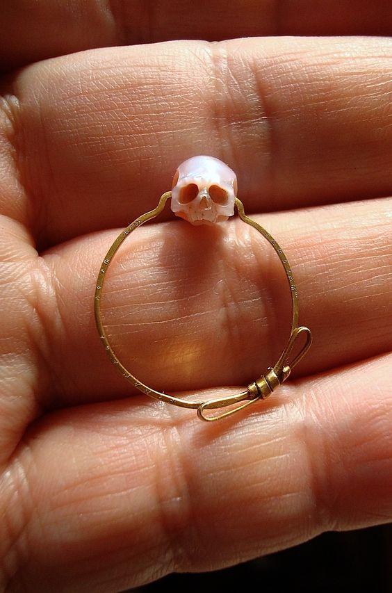 Skull Jewelry Carved From Pearls by Shinji Nakaba