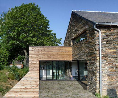 Habillage bois facade en pierre idee terrasse - Maison bois et pierre ...