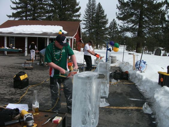 2012 Contestants working on their sculptures