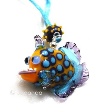 Jopanda Glaskunst - CrAzY Piranha Silber Anhänger gelb.  Ich glaube, ich habe mich gerade verliebt!