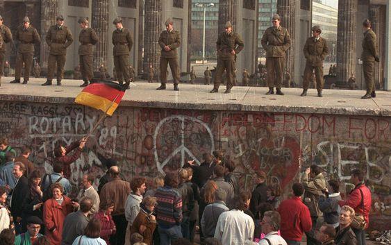 Testigo relata cómo vivió la caída del Muro de Berlín