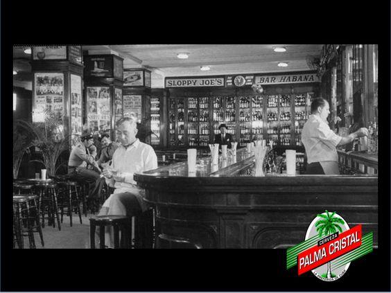 CERVEZAS DE CUBA TE DICE ¿Por qué fue famosa la barra del Sloppy Joe's? La mítica y famosa barra de caoba negra del Sloppy Joe's, era la más larga de toda Cuba y desapareció misteriosamente a fines de los años 60. Ahora, en proceso de restauración de tan famoso lugar, se recuperó milagrosamente y a partir de ella se reproducirá de nuevo. www.cervezasdecuba.com