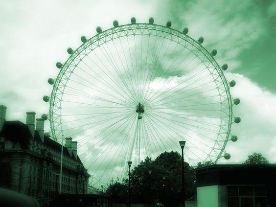 The London Eye by ~Nighttime-Sun on deviantART