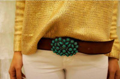 blusa feita com linha dourada
