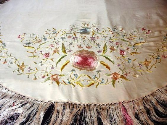 Online veilinghuis Catawiki: Most Beautiful ALL Silk Handembroidered Art Nouveau  Cloth/Panel/Scarf