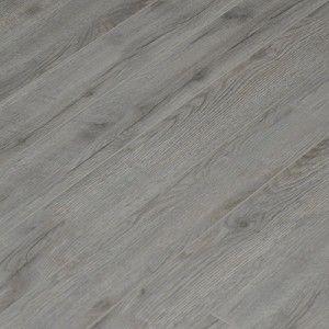 Een eik grijze laminaatvloer om de hele woning mee te bedenken. De grijze laminaatvloer is makkelijk te onderhouden en samen met gebroken witte muren en pasteltinten geeft dit de basis voor mijn droomkamers.