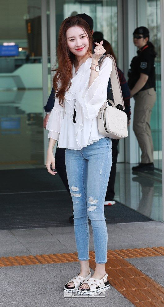 Pin By Danny Reader On Idol Style Pt 1 Korean Street Fashion Korean Fashion Summer Casual Korean Girl Fashion