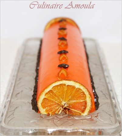 Bûche de Noël à l orange et truffes au chocolat pour la présentation
