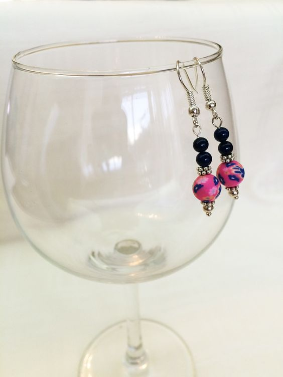 Clay beads, 30 dirham.