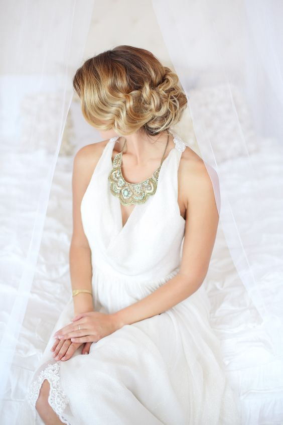 Vintage hair style by Melissa Marie @thehairmakeupco  Hair + Makeup Company http://thehairandmakeupcompany.com