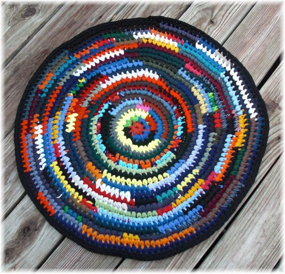 Round Rag Rug Black And White: Round Rag Rug 25 Inches Clearance