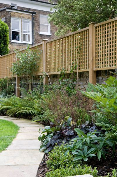New Directions In Garden Privacy Screens The Middle Sized Garden Garden Privacy Screen Garden Privacy Tuscan Garden