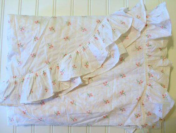 Vintage Cotton Plisse Bedspread - Pink Tulips Flowers on White with Ruffles…